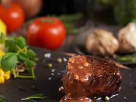 五星級牛排吃到飽!君品酒店雲軒西餐廳限時 MOMO 搭配精緻甜點兩人僅 1550 元!