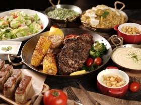 君品酒店外帶雙人頂級牛排套餐34折、頤宮三星片鵝料理6折起!爐烤肋眼牛排、威靈頓牛排在家輕鬆吃!