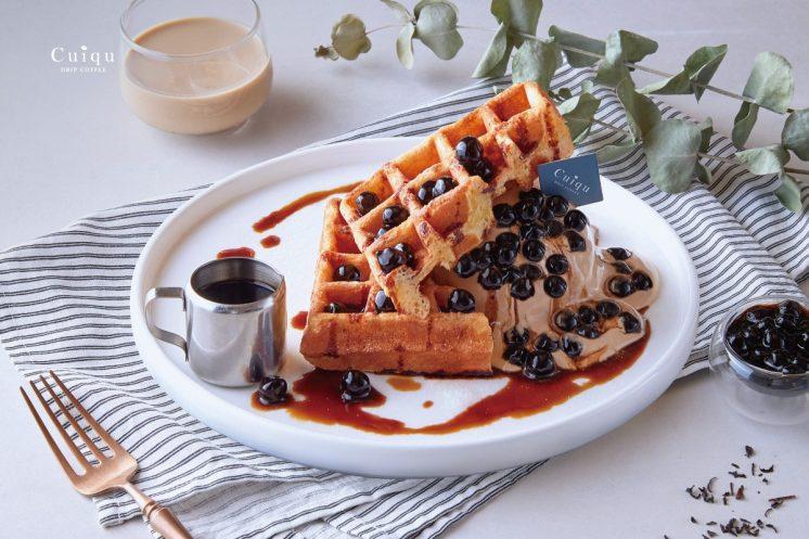 奎克咖啡 紅玉珍珠歐蕾冰淇淋方格鬆餅