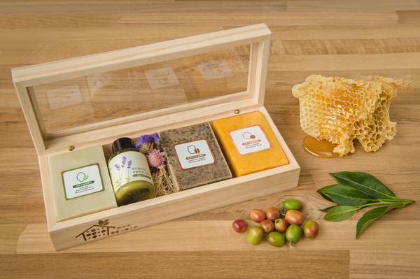 愛盲手工皂-森林寶石手工皂木禮盒