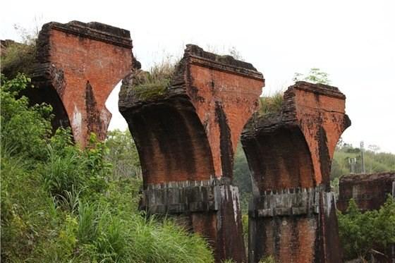 三義鄉:龍騰斷橋
