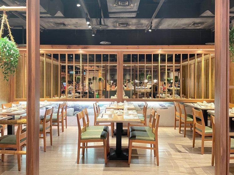 欣葉日本料理_進門右側座位區