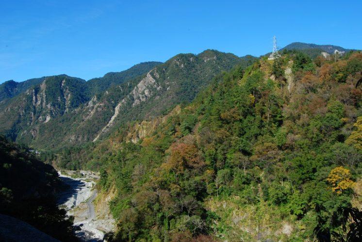 八仙山國家森林遊樂區高山河谷