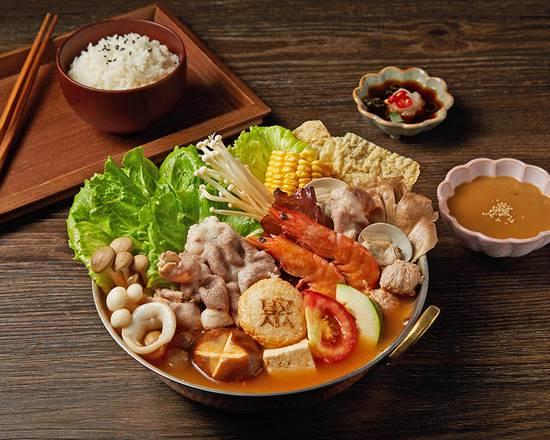 日式味噌海陸雪花牛鍋